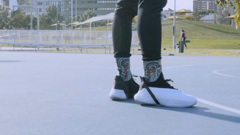 """开学买一对""""态极""""篮球鞋是什么体验? 讲球鞋"""