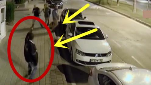 男子在酒吧与人发生冲突,离开后还持枪挑衅,随后被失手打死!