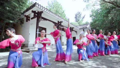 轻罗小扇,粉妆玉琢,中国舞最懂女人心