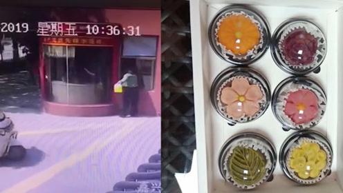 """暖!中秋佳节消防队收到""""神秘""""奶茶和手工月饼:小可爱节日快乐"""