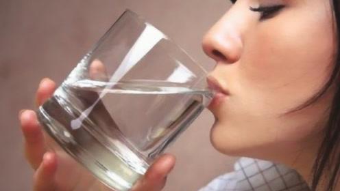 起床后,先喝水还是先刷牙?很多人都做错了
