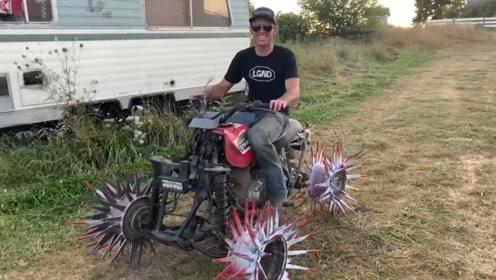 男子给摩托车装上尖刺,行驶在公路上时,豪车都得给它让道!