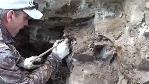 男子发现一块巨大的怪石,费力凿开一看,不料竟有意外惊喜!