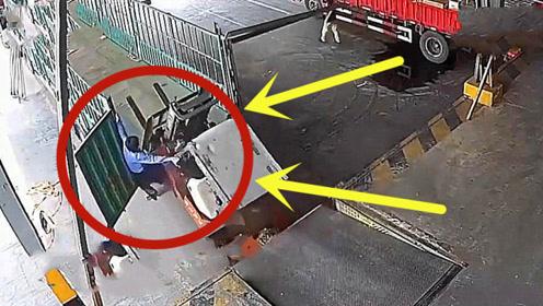 惊险万分!一货车突然溜坡,叉车作业时连人带车摔落!