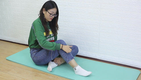 """腿上有个""""长寿筋"""",没事常推一推,经络通畅,筋骨柔软"""