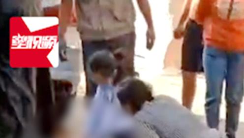 痛心!江苏4岁男童蹲路边玩耍,被女司机撞倒拖行几米后身亡