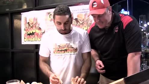 兰迪大胃王的3.5公斤希腊汉堡限时挑战赛,饭后消食片每人五盒