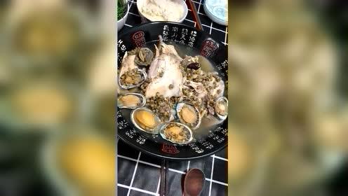 中国姑娘远嫁韩国的生活,自己在家煮鸡汤,锅里还有鲍鱼真奢侈