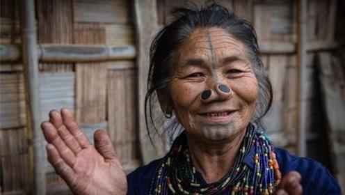 最奇葩的部落女子,因长相出众,不得不自毁容貌!