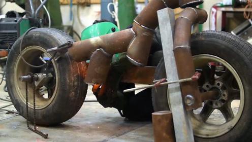 废弃水管有啥用?加个轮胎就是辆自行车,看小哥是如何改造的