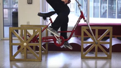 小伙死磕方形轮胎自行车,行驶起来的一瞬间,速度却让人不敢相信!