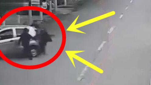 害人的老年车,母子俩惨遭截杀!5秒后画面太惨!