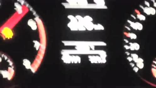 就问你怕不怕,速腾高速狂飙220kmh!