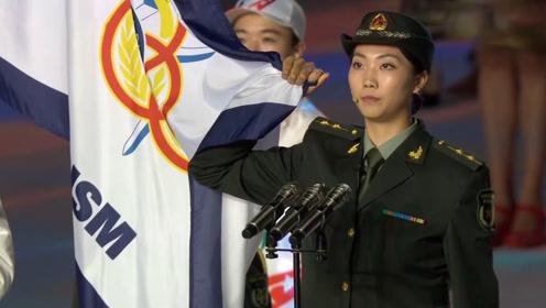 穿军装,太飒!八一女排袁心玥代表运动员宣誓