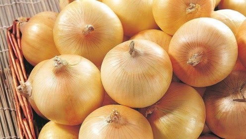 """洋葱加上""""它"""",秋季炒着吃,降糖降压,还养肝护肝排肝毒"""