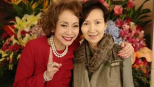 """""""小青""""近照,61岁仍气质优雅,2嫁富商却未生一子"""