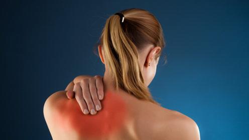 后背疼痛不一定是累的,或许是大病的信号