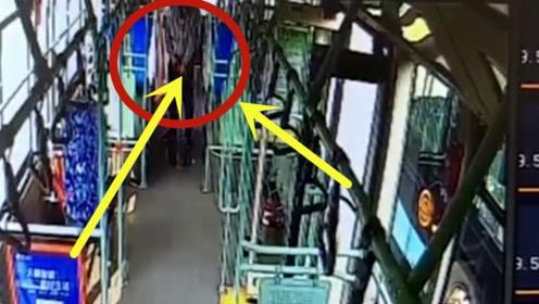辣眼睛!江苏一小伙在公交车上撒尿,监控拍下全过程!