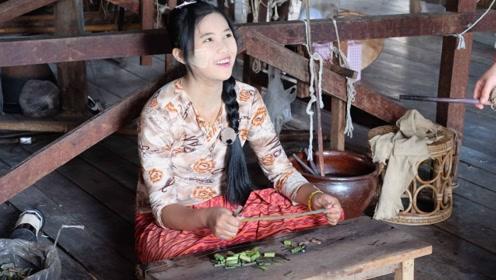 """越南的农村妇女不种田,在家用""""藕丝""""织围巾,一条卖上千元!"""
