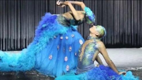 杨丽萍跳舞太投入,和男徒弟的动作被放大,网友:简直难以接受!