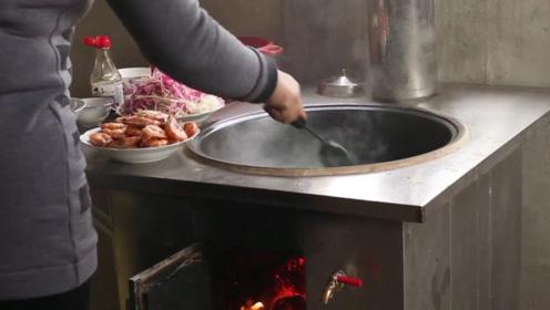 牛!小伙发明可移动柴火灶,做饭干净卫生超省柴,成功月卖500台