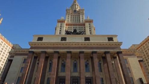 """硬核!俄罗斯课堂教学生组装AK47,其设计师被誉为""""世界枪王"""""""