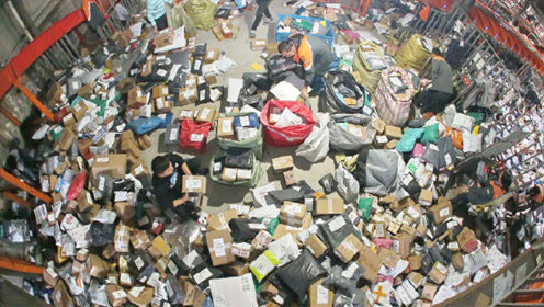 双11全国快递业务量将达28亿件 每人每天送240件快递