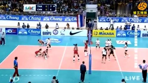"""泰国全队都去庆祝了,没想朱婷竟把探头""""防了回来""""?球慢悠悠落地泰国傻眼"""
