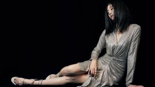 张钧甯最近的造型太惹火!当她穿这条银色液体裙,撩起来真要命