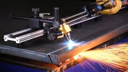 不常见的切割机械!几公分厚的钢板一下子就搞断了