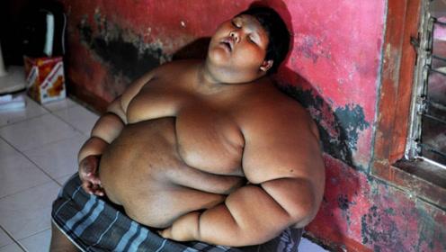 世界减肥最成功少年,3年减重200斤,如今帅到认不出!