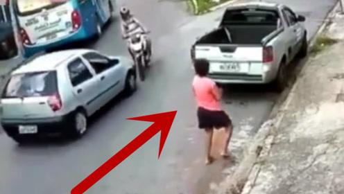 女子发现不对劲,撒腿就跑,事实证明她是对的!