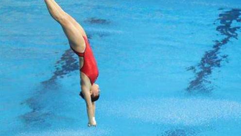 """跳水史上最变态一跳!小将入水瞬间""""消失"""",解说:刚才有人跳吗?"""