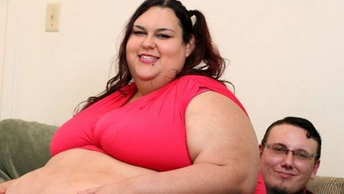 世界上最胖的女人,体重已破吉尼斯记录,却仍然要增肥!