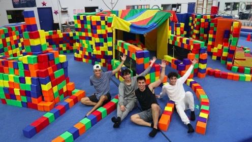 熊孩子用泡沫建房子,充满了童话般的感觉,网友:浪漫满屋!