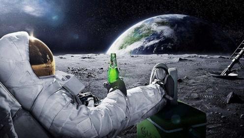 在月球上倒一桶水会怎样?看完终于明白了,场景让人无法想象!