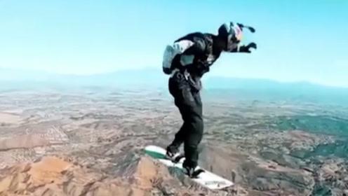 """小伙不满足滑雪冲浪,挑战一把""""上天入地"""",简直害苦了摄影师!"""