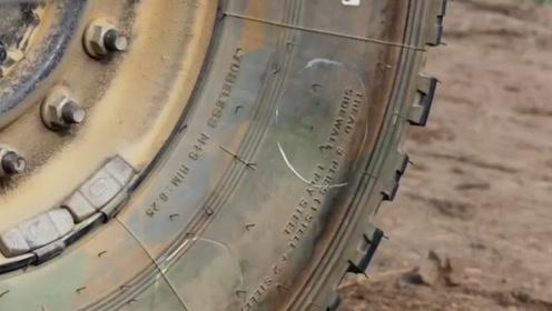 """中国军用轮胎秀""""神功"""",子弹打中后能自行修复,家用车看了真要流泪"""