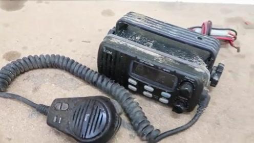 破旧无线电对讲机的维修修理过程,手艺真不错!
