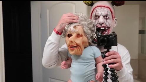 熊爸爸带着女儿恶搞老婆,一觉醒来吓得屁滚尿流,该见识下了