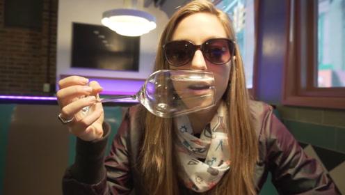 普通人也能用声音震碎玻璃吗?外国小姐姐亲测,功夫不负有心人!