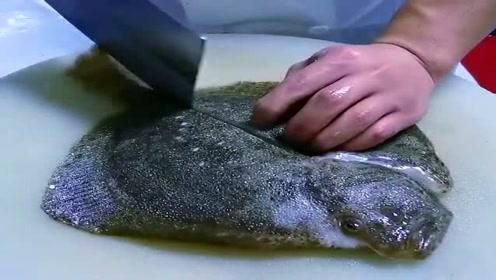 这鱼虽然长得丑,但在下锅之前切几刀,吃起来会更香!