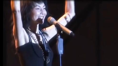 万万没想到!女神张曼玉在音乐节现场唱《甜蜜蜜》,一开嗓吓一跳