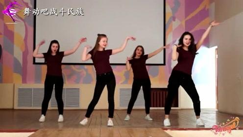 青春逼人!乌克兰女中学生跳街舞,15岁已经出落得亭亭玉立