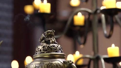宫女嫉妒皇上只宠爱皇后一人,竟在他房里点燃安神香,心计了得
