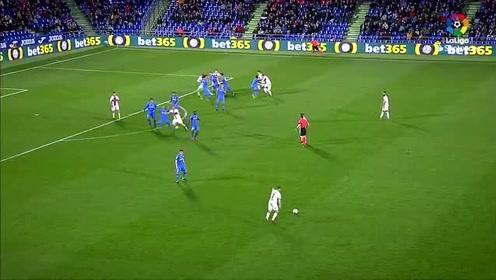 赫塔菲2-1韦斯卡,第77分钟赫塔菲球员海梅·马塔的点球锁定胜局