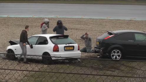思域神车赛道追尾,福特被一头怼出赛道,这次真不关女司机的事!