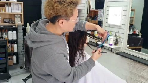 论发尾修剪的重要性,理发师的手法也是很重要的哦
