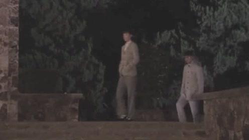 王贵与安娜:肖桂芳提出让王贵上楼去坐坐,王贵婉拒了肖桂芳!