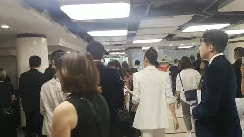 07快男又合体啦!魏晨俞灏明在上海电影节惊喜会面